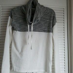 Gray & White Women's XS sweatshirt